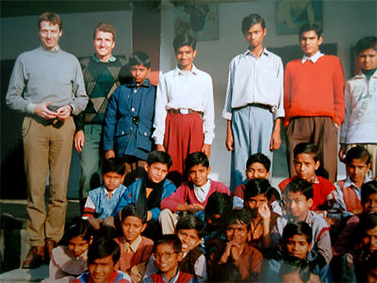 2000: Mark Bloomfield and Robert Coenraads in Motihari