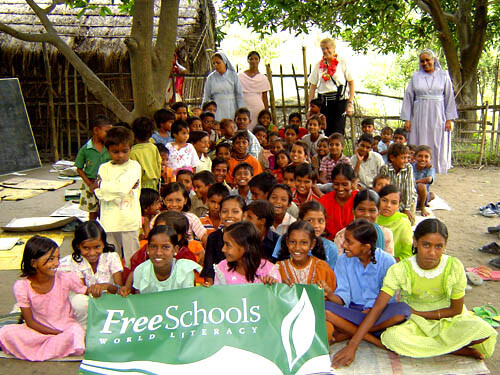 2007: Sue Tennant visiting a school in Bihar
